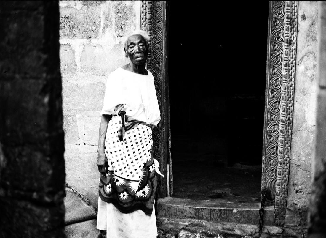 Bi Kidude, Queen of Taarab, Stonetown, Zanzibar 2004